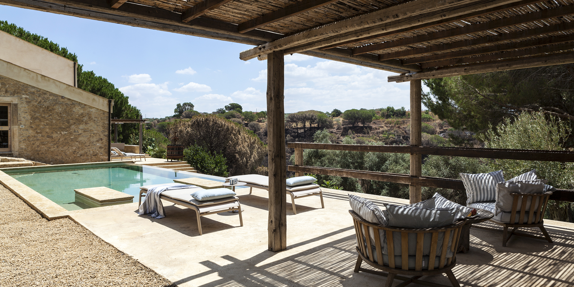 Country_House_in_Caltagirone_Home